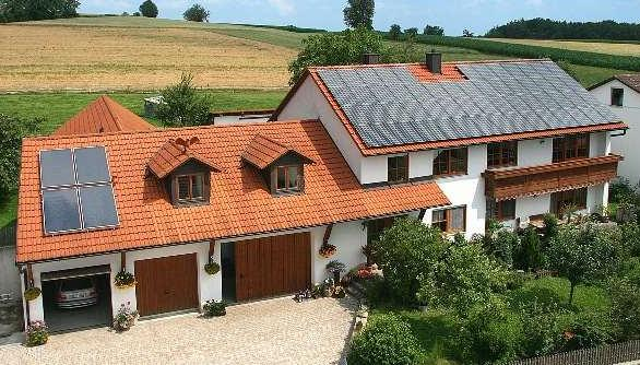 Photovoltaikanlage auf einem Einfamilienhaus bauen